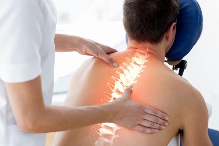 leczenie bólu, zapalenie stawów, problem z kręgosłupem